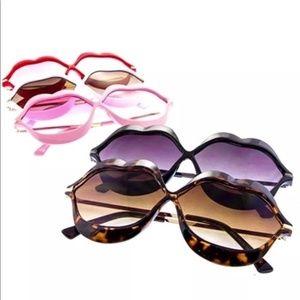 KISS Lens Lips Frames Fashion Sunglasses Red